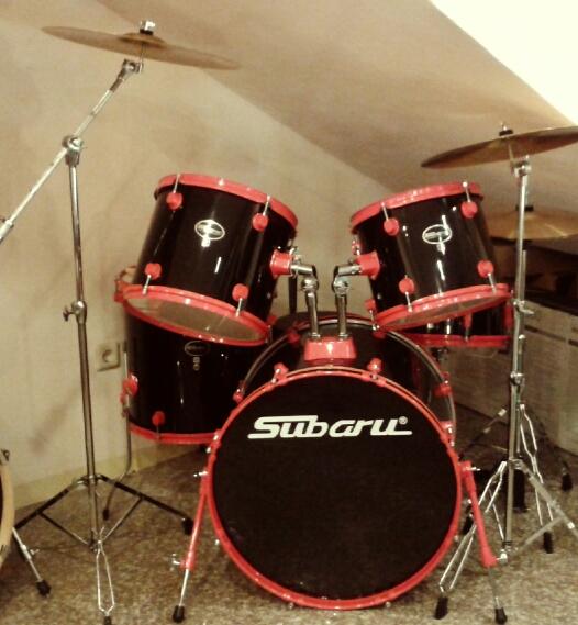drum set subaru black pvc red hardware toko musik jakarta. Black Bedroom Furniture Sets. Home Design Ideas